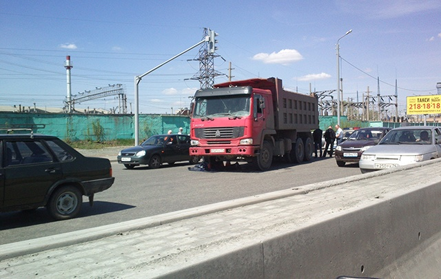 На «Меридиане» грузовик задавил пешехода