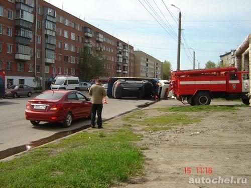 Маршрутка швырнула ВАЗ в эвакуатор