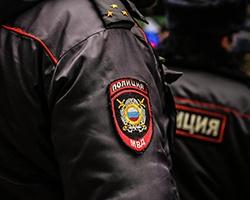 Полицейский, открывший огонь по угонщику, ранил случайную женщину