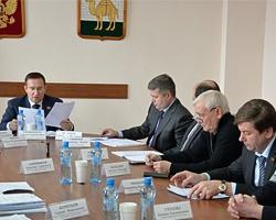 В этом году в Челябинске на бюджетные деньги отремонтируют 15 дворов