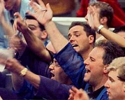 На биржах весеннее обострение