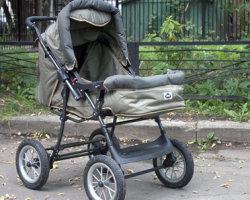 В Башкирии пьяный водитель сбил коляску с ребенком