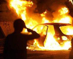 «Десятка» сгорела после удара о столб