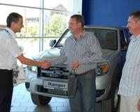 Компания «Автоленд Уфа» поздравила первого владельца нового Ford Ranger
