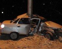 Два человека разбились на Демской трассе