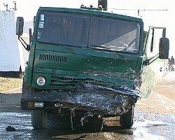 В Казани КАМАЗ протаранил автобус