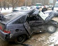 Около СКА столкнулись три машины, два человека погибло