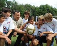 Юные тольяттинцы соревнуются в мастерстве дворового футбола