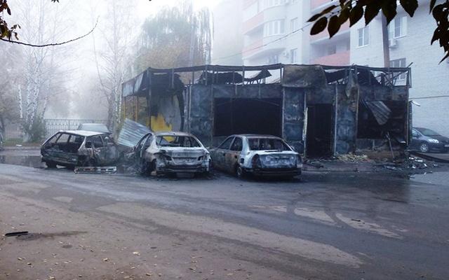В Ростове сожгли машин на 14 миллионов рублей