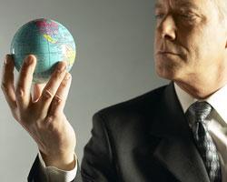 Как выиграть в кризис: продать или купить?