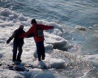 В Новочеркасске двое школьников провалились под лед