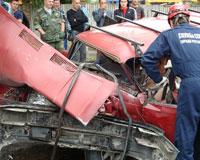 Пострадавших в ДТП в Ростове вырезали специнструментом