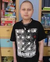 Больному раком мальчику срочно требуется помощь