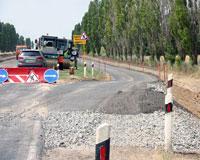 Дорожники завершают работы на М-23 возле украинской границы