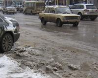 Водителей просят не выезжать на трассы на «лысой» резине