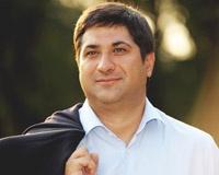 Ростовский депутат поздравляет горожан с Новым годом