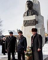 В Харцызске поставили памятник Чехову и его «чудному видению»