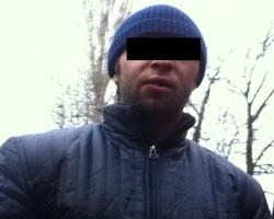 Юную ростовчанку изнасиловал гость отца