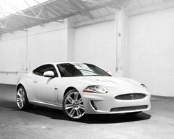 Jaguar XKR: кабриолет с сердцем болида