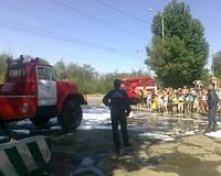 Воспитанники летнего детского лагеря побывали на экскурсии в пожарной части