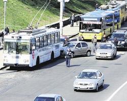 В Тракторозаводском районе троллейбус сбил пешехода