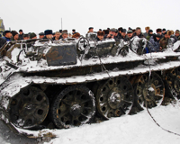 В Волгоградской области со дна реки подняли подбитый советский танк