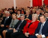 Виктор Зубков поздравил с 20-летием Волгоградский областной союз женщин
