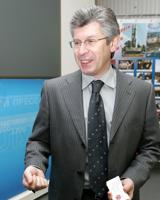 Губернатор Анатолий Бровко заверил депутатов в победе над саранчой
