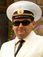 Депутат Госдумы Олег Михеев подрался с Арамом Габреляновым из-за капитанской фуражки