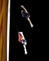 Пермские акробаты приглашают на репетицию вертикального шоу
