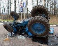 Трактор протаранил джип