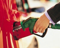 Бензин продолжил дорожать в августе