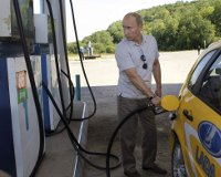 Бензин подорожал – Путин сказал ФАС