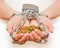 За долги больше 5 тысяч рублей хотят лишать прав