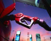 Бензин дорожает по всей России