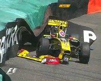 Петров разбился на Гран-при Формулы-1 в Монако