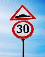 В Перми нужно заменить двести дорожных знаков