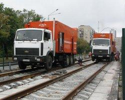 Лишать прав за езду по трамвайным путям больше не будут