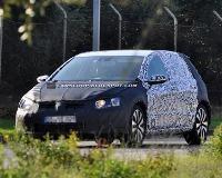 Новый VW Golf попался на глаза шпионам