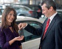 Льготные автокредиты успела получить лишь половина желающих