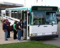 Автомобилистов обложат налогами, чтобы пересадить в автобусы