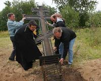 На Кегострове установлен поклонный крест в память о храме