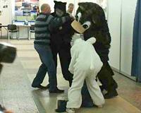 Менеджер заплатит штраф за нападение на медведя