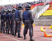 Донские полицейские начали тренировки по работе на митингах и футболе
