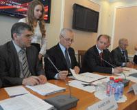 Артяков рассказал Рапоте о соблюдении прав трудящихся