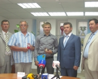 Областные власти помогли чемпиону мира Илье Фролову получить квартиру