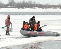 На Волге спасли троих рыбаков