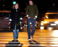 Пешеходы будут светиться в темноте