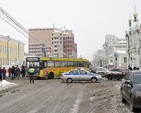 Транспортный коллапс в Тюмени спровоцировала... косметичка