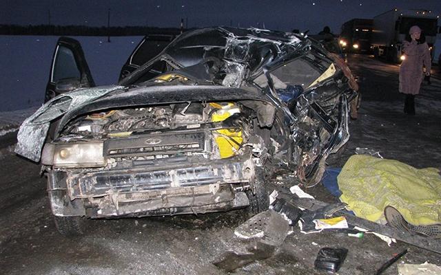 Машину на летней резине разорвало на куски